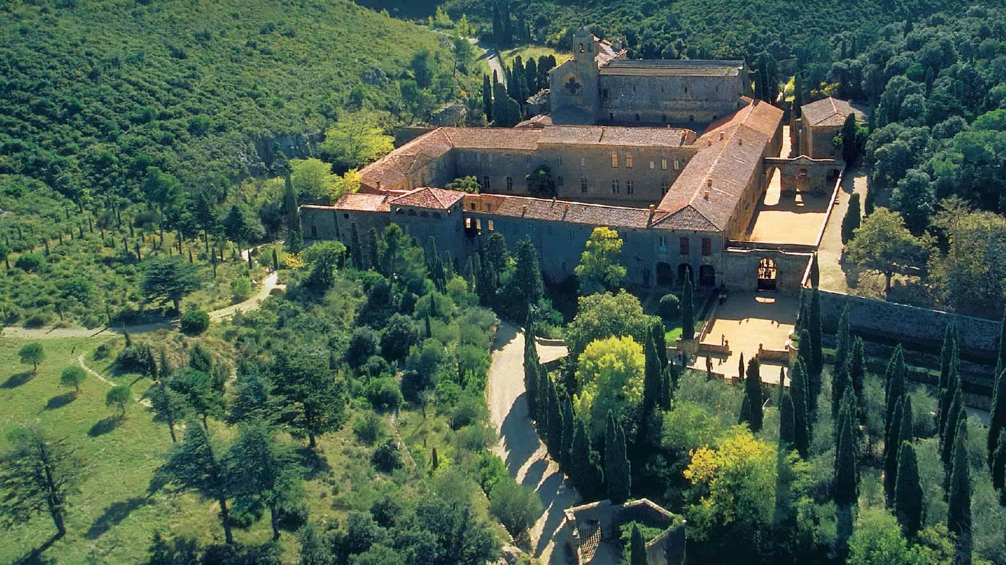 Abbaye de Fontfroide - Visitez 1000 ans d'Histoire !